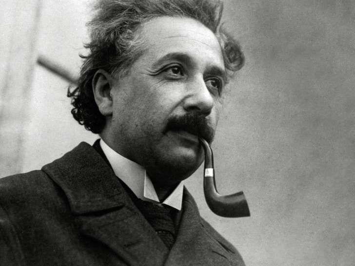 Co Sprawilo Ze Einstein Zostal Slynnym Fizykiem Einstein Albert Einstein Science Cat