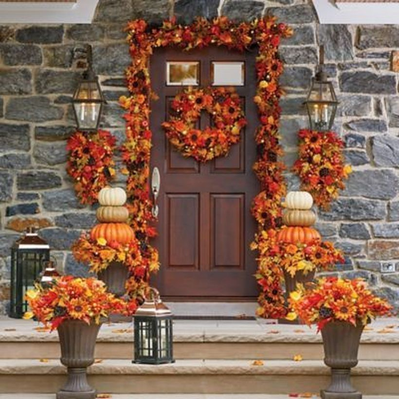 25 Easy Fall Porch Decor Ideas To Inspire - homimu.com