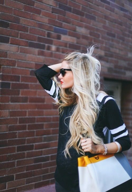 Sometimes I wish I could dye my hair blond and it loom THIS good!