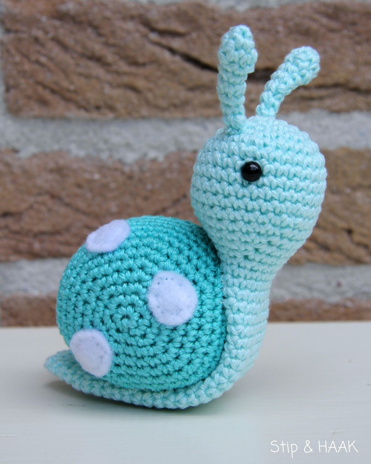 hight resolution of crochet snail free pattern