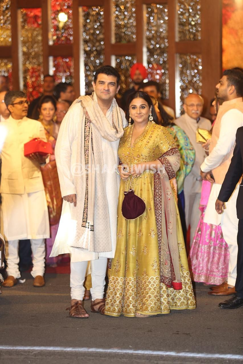 Who Wore What At Isha Ambani's Grand Wedding Night! | Wedding ...