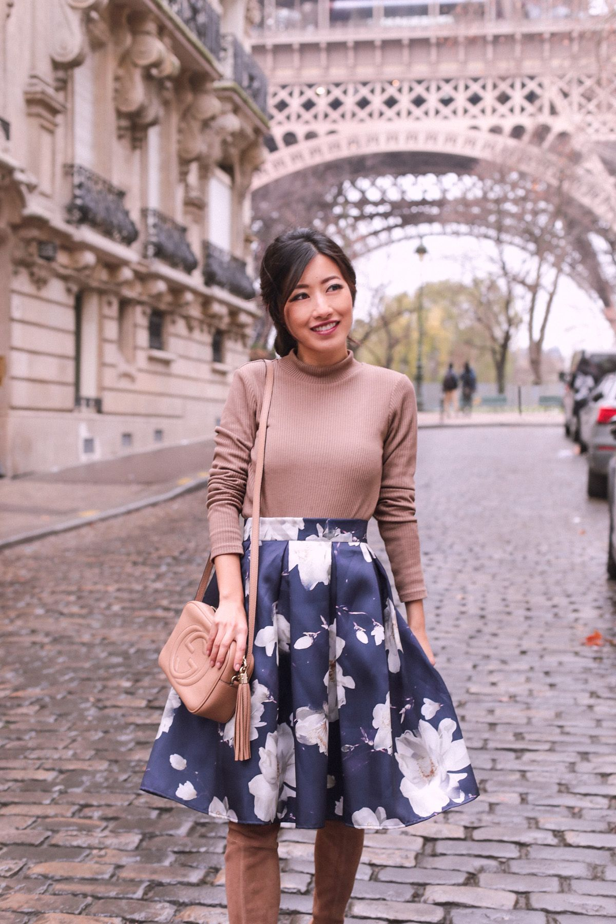 4d539ef62906af Floral + tan at the Eiffel Tower | my style (extrapetite.com ...