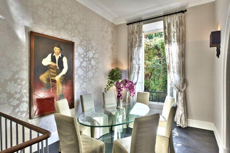 Appartement de luxe à la décoration chic bourgeois Beige, Nice and