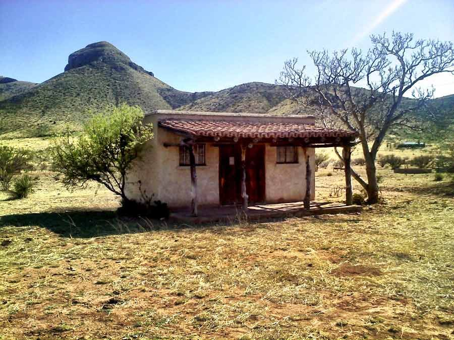 Adobe house in arizona but a great model for an adobe for Adobe home builders
