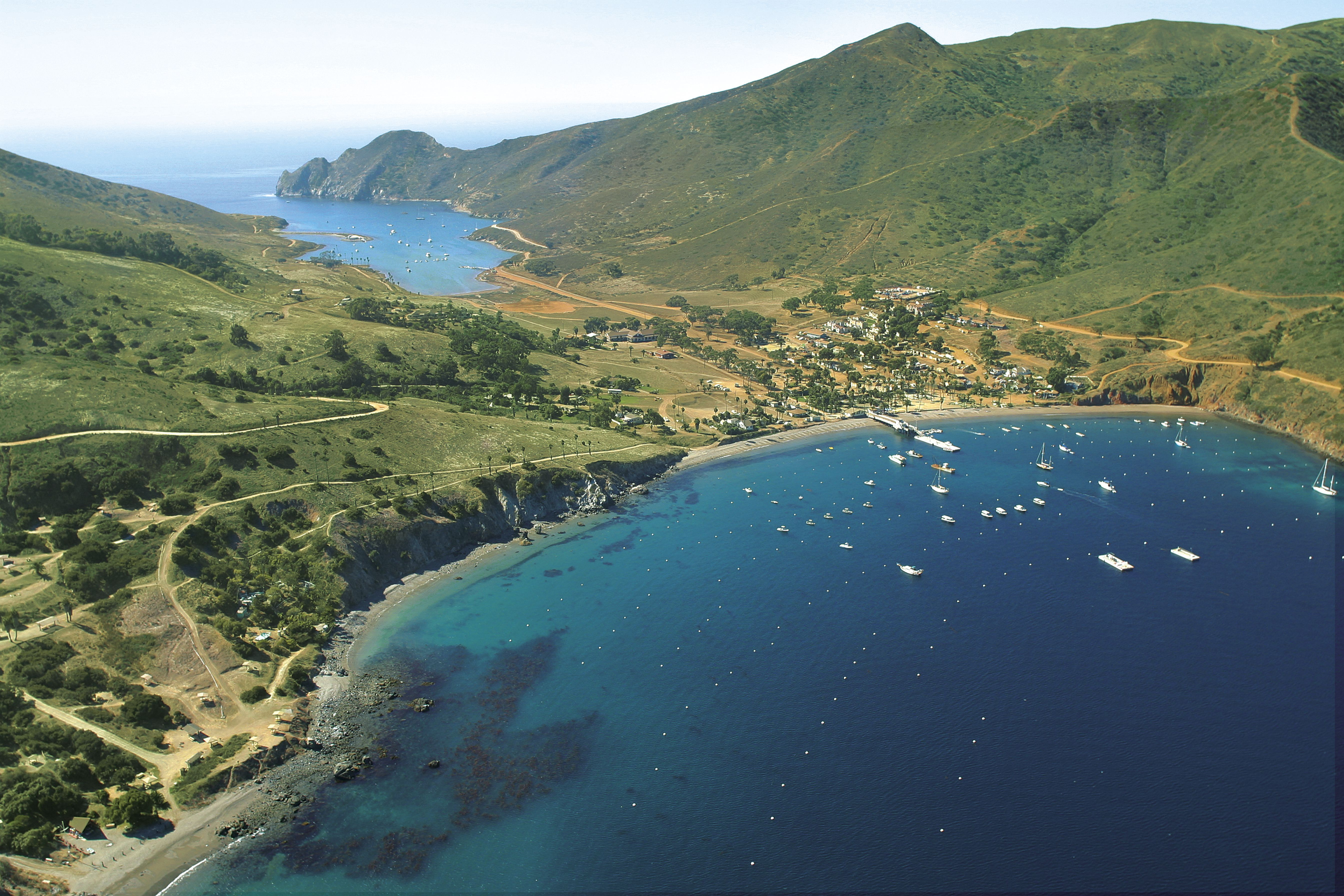 Two Harbors Where The Ferry Takes You When You Want To Visit Your Kids At Catalina Island Camp Beautif Catalina Island Two Harbors Catalina Island California