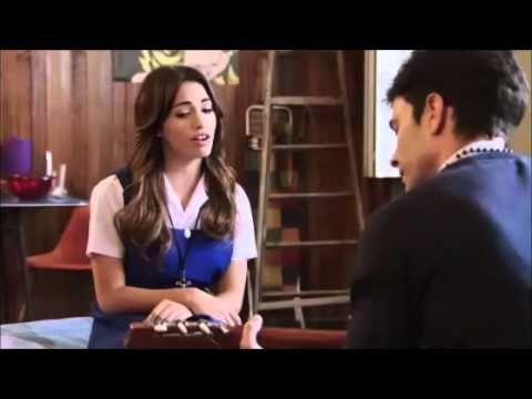 Esperanza canta ME MUERO POR VOS al Padre Tomas - Lali Esposito