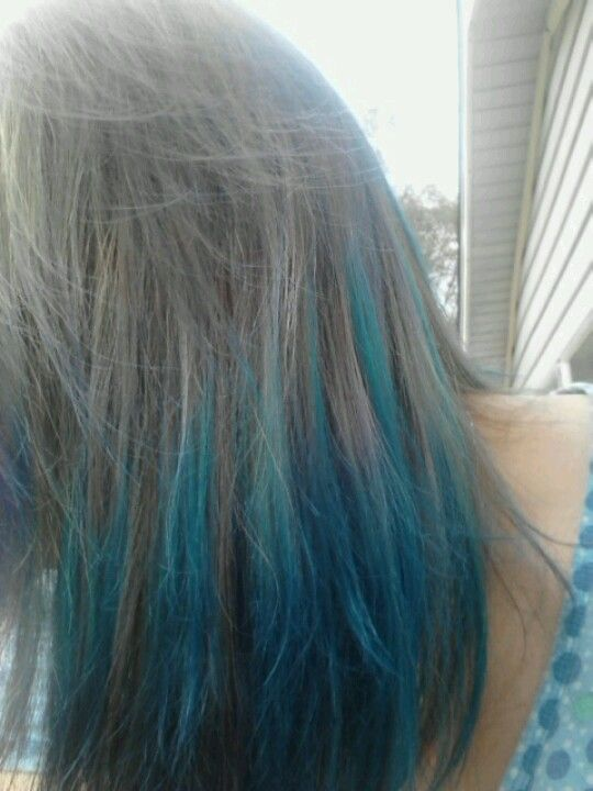 Blue And Teal The Blue Color Is Mixed Berry Kool Aid And The Teal Color Is 1 Grape Packet With 1 Mixed Berry Packet Dip Dye Hair Kool Aid Hair Dye Dyed Hair