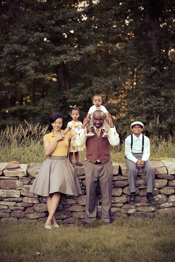 Adorable vintage themed family photo shoot