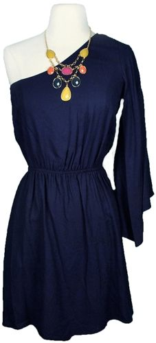 I love this dress! I've always wanted to rock a one-shoulder dress, and the long sleeve makes it more beautiful.
