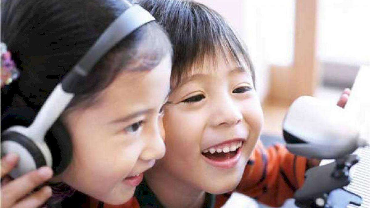 كيف نحمي ابنائنا من مخاطر الانترنت Baby Face Face Children