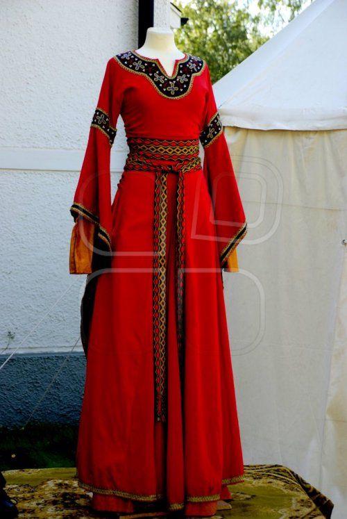 74947c46d7e5 Medeltida bröllop klänning | Bröllopsidéer | Medeltidsdräkt ...