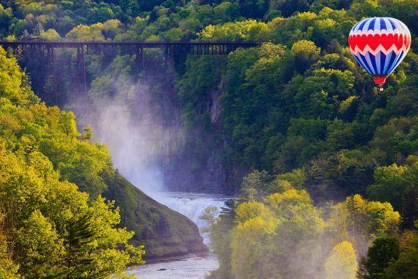 """Képtalálat a következőre: """"Hot Air Balloon Rides Niagara Falls"""""""