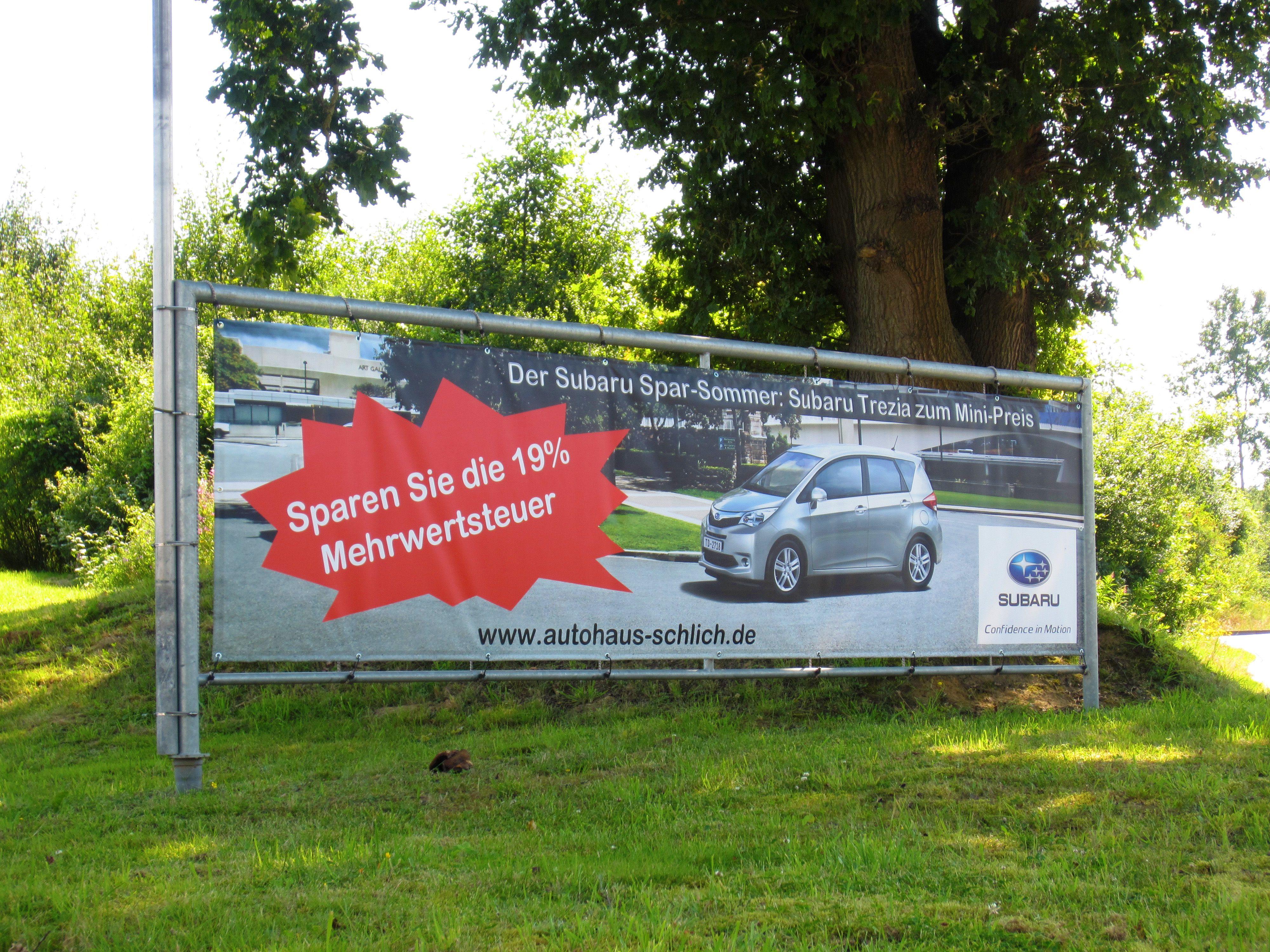 """Banner von bannerstop.com für das Autohaus Schlich zum Angebot """"Subaru Trezia zum Mini-Preis""""."""