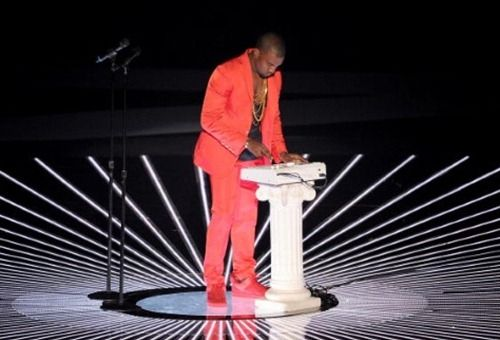 Kanye West In Red Suit Performing At The Mtv Awards Kanye Kanye West Kanye Vma