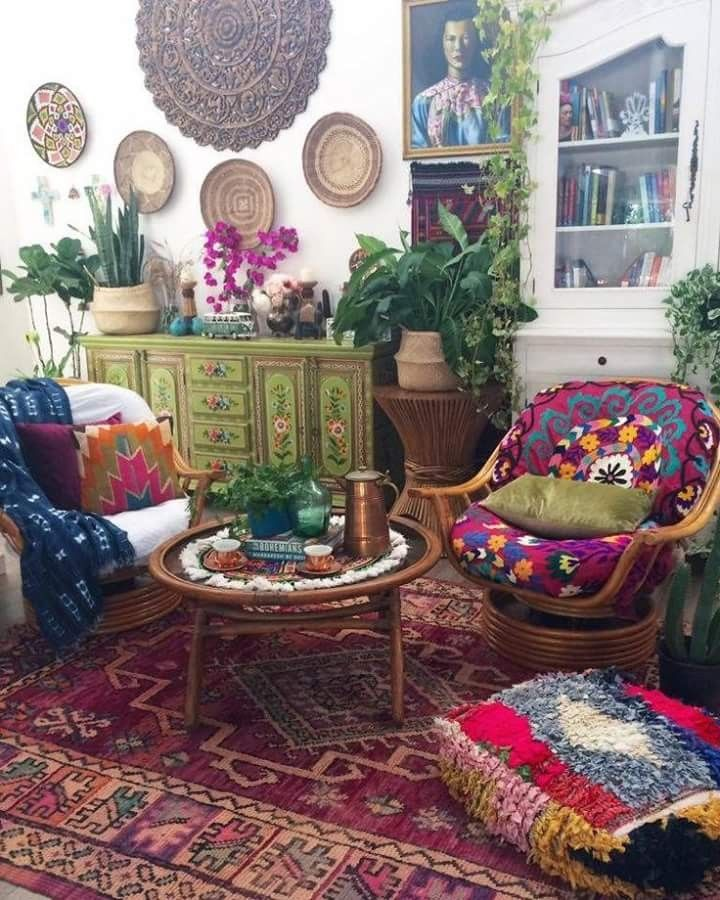 Chic Colorful Living Room: Boho Ecelctic Colorful Living Room With Plants
