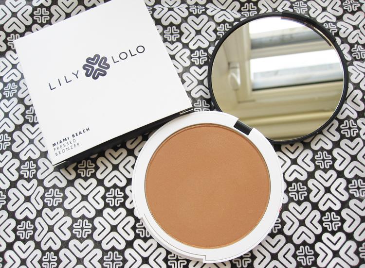 Review & Swatches Lily Lolo Mineral Foundation in Barely