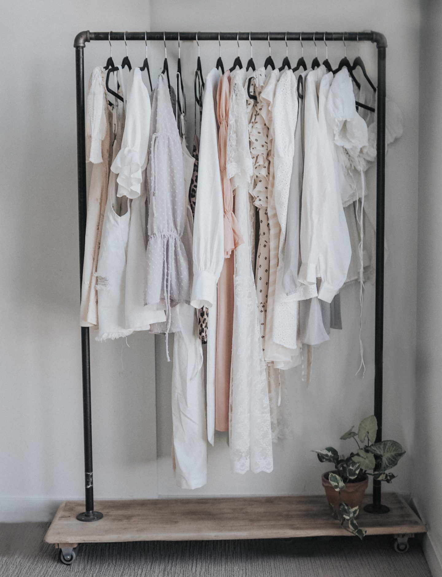 Diy Garment Rack Tutorial Garment Racks Clothing Rack Home Diy