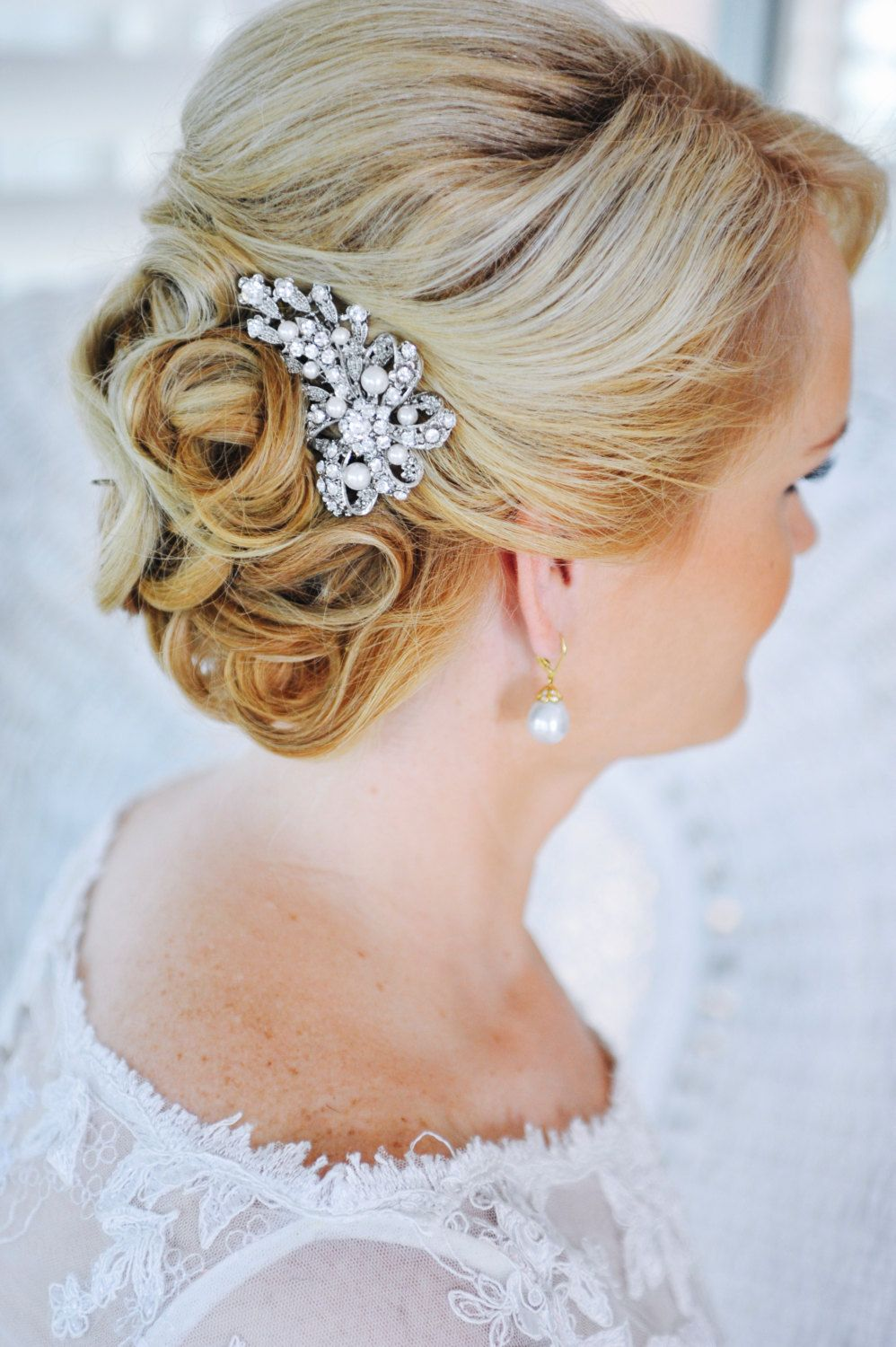 vintage inspired wedding hairstyles | bridal hair, hair combs and
