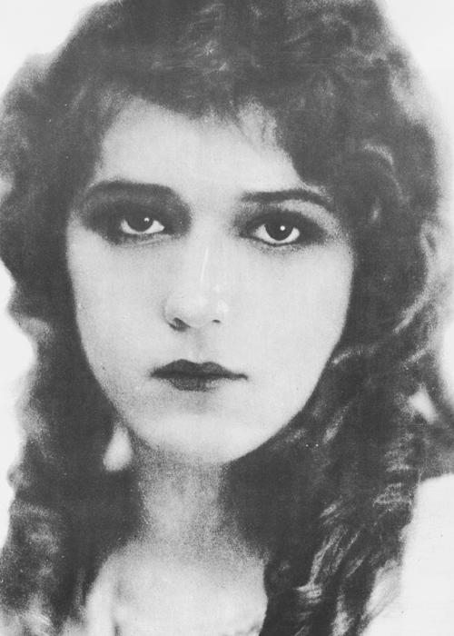 marypickfords:  Little Mary Pickford, 1914.