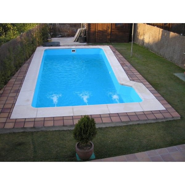 Piscina de fibra de vidrio con escalera lateral de 3 for Coronacion de piscinas precios