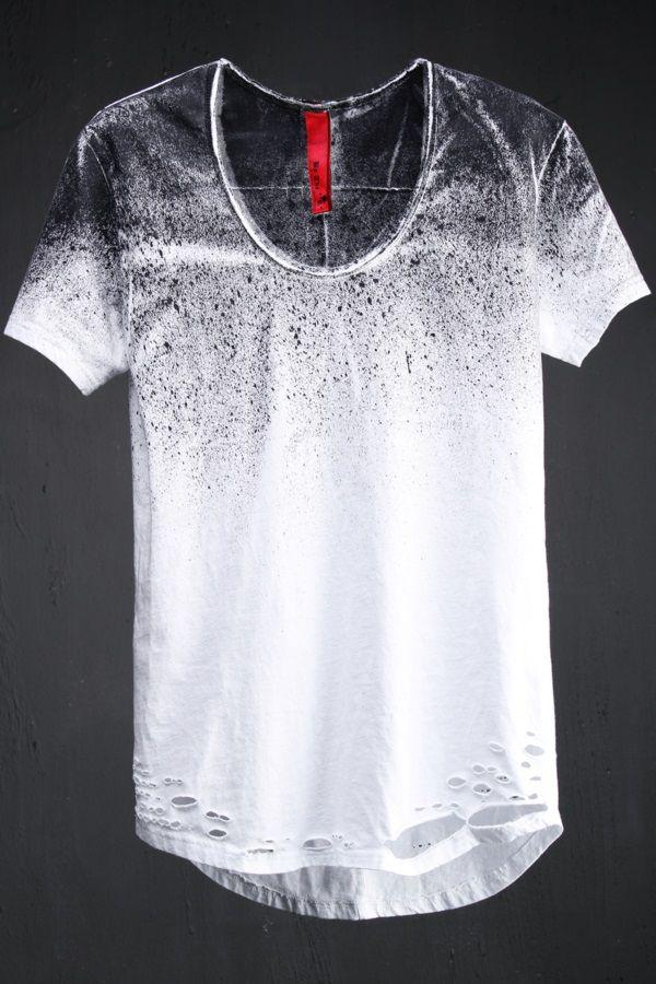 VIRGIN BLAK  Custom Spray Paint Loose Neck Line T Shirt Camisetas  Criativas a924e01838e