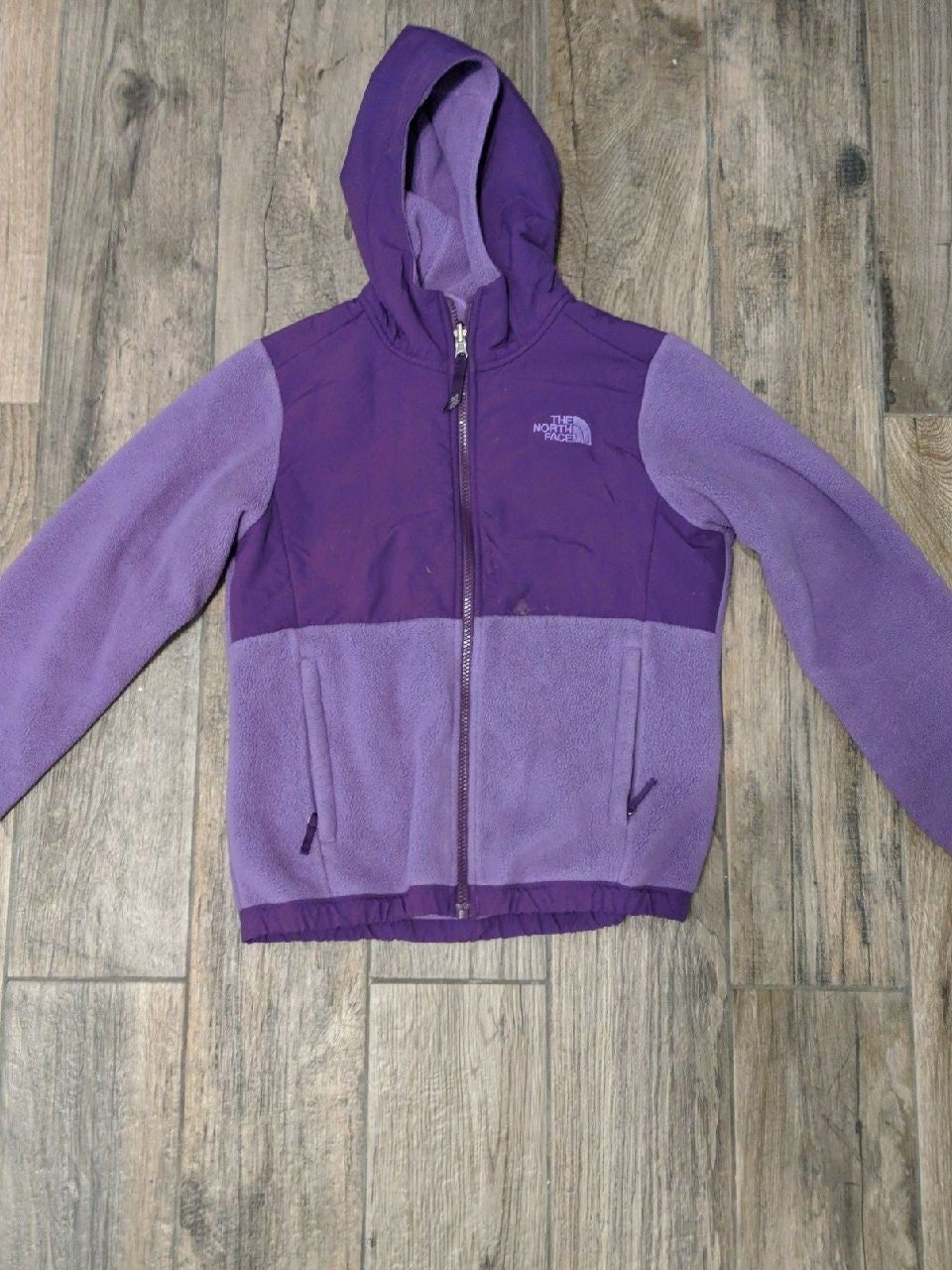 The North Face Purple Fleece Jacket Size 10 12 Very Warm Purple Jacket Good For The Winter Small Stain Fleece Jacket Jackets The North Face [ 1280 x 960 Pixel ]