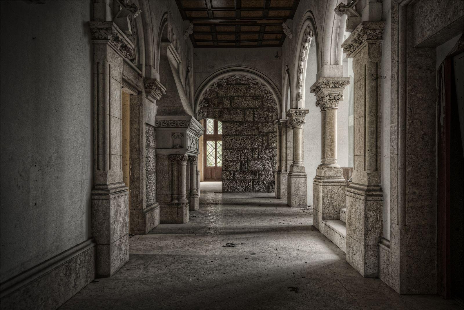 Castle in Portugal   The corridor