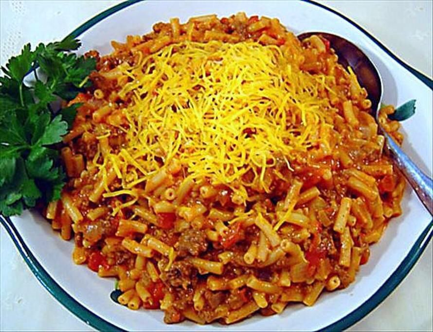 Easy Goulash 2 Boxes Kraft Mac And Cheese 1 Lb Ground Beef 1 Can Tomato Soup 1 Prepare Mac And Ch Goulash Recipes Macaroni And Cheese Casserole Hearty Meals