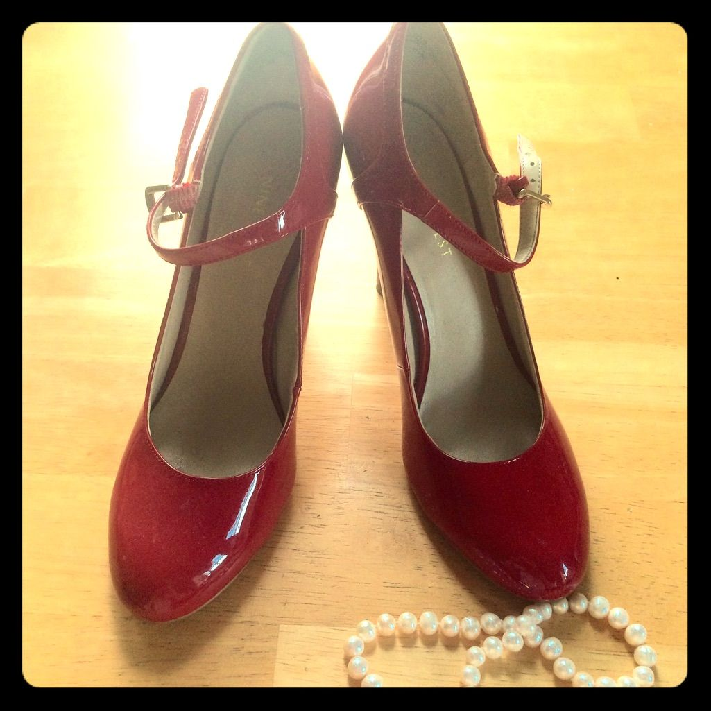 Vintage Inspired Mary Jane Pumps In Classic Red