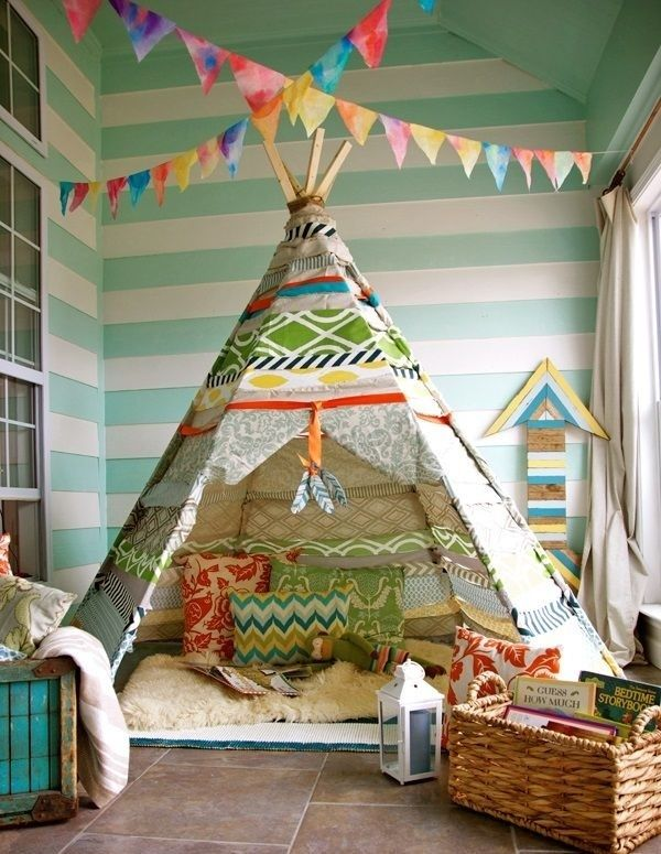 Kinderzimmer Gestalten Spielraum Indianer Zelt Streifenmuster Wandgestaltung