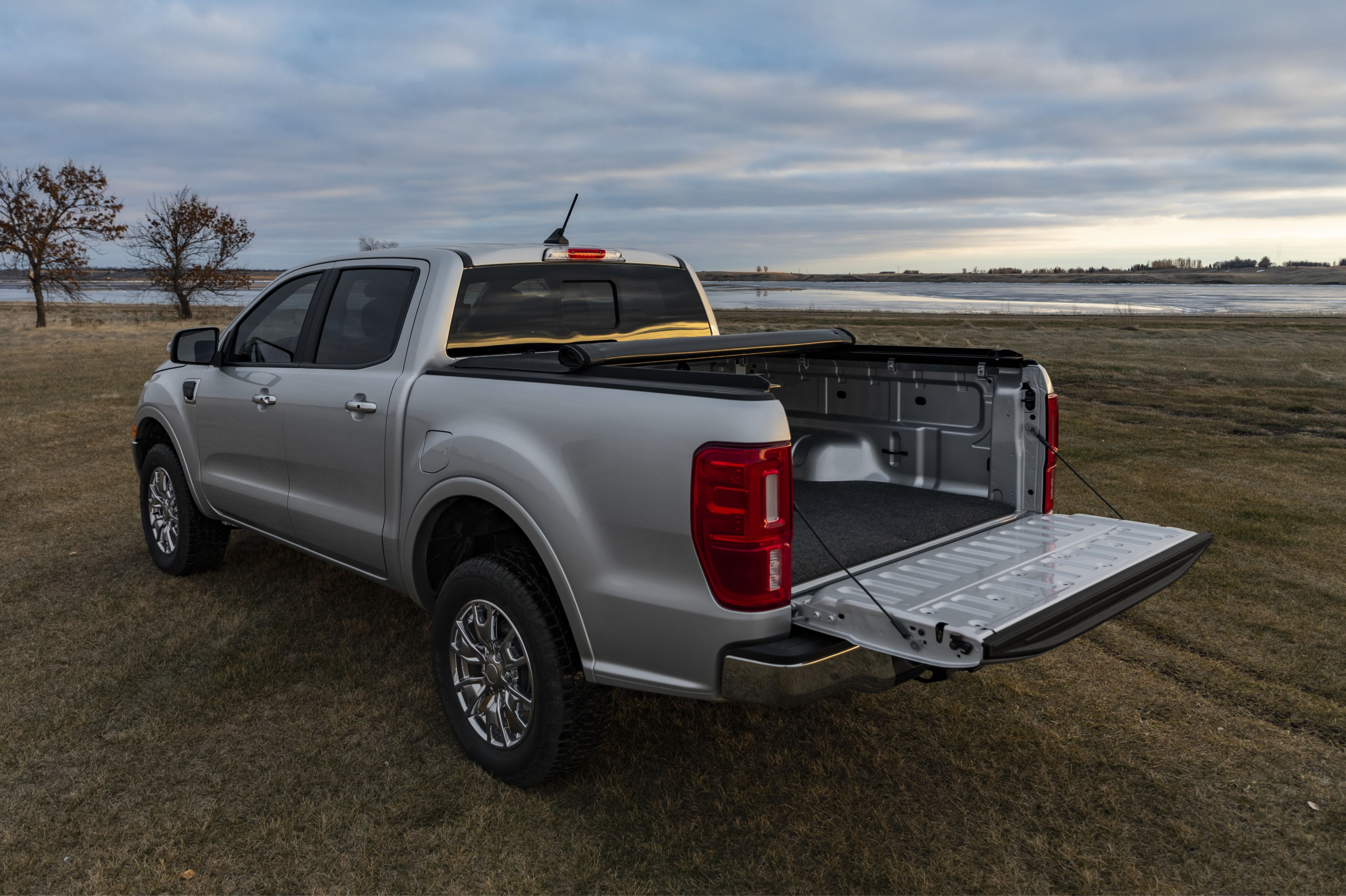 Best Tonneau Cover for Ram 1500 Review Guide For 2021