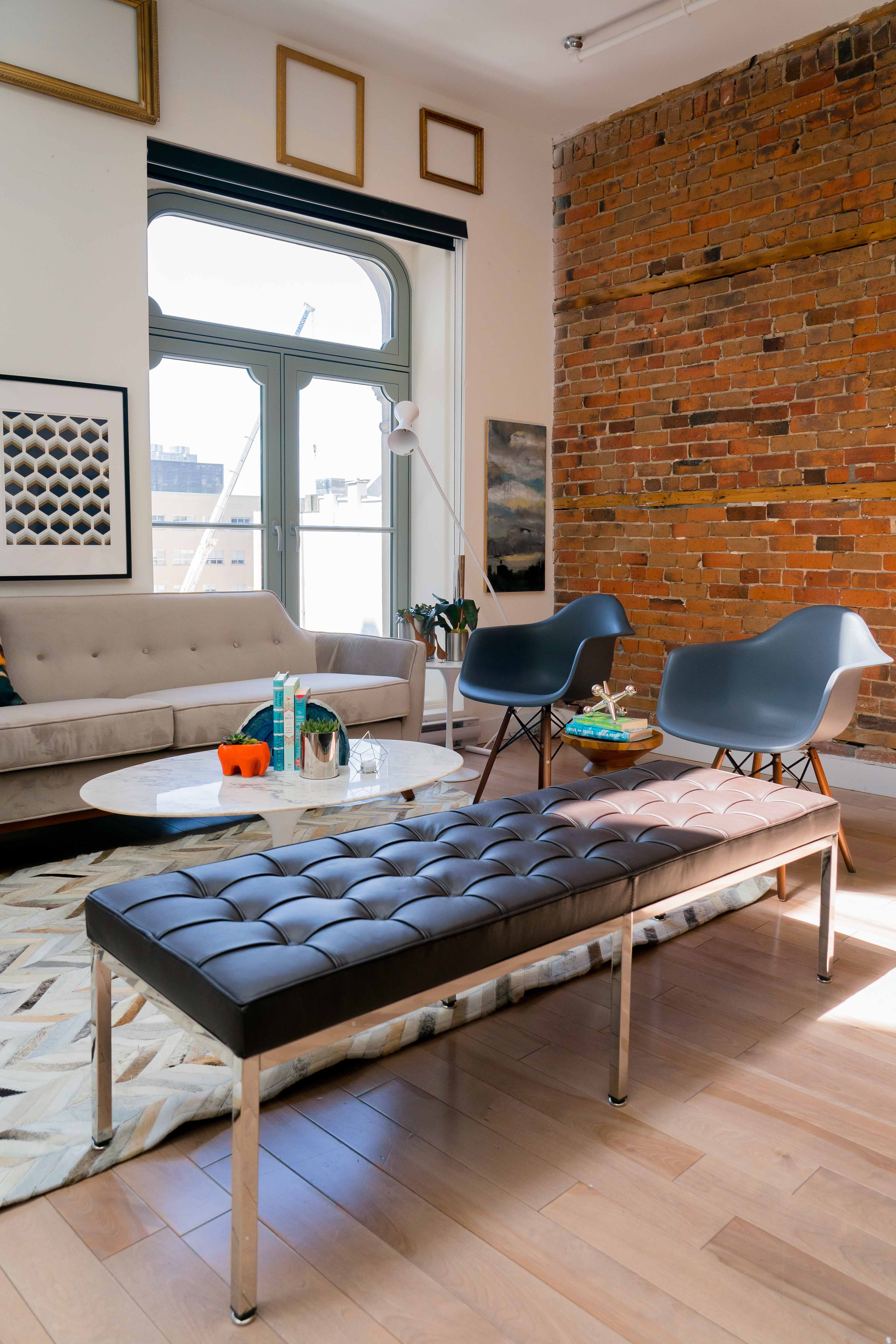High Quality Reproduction Of Florence Knoll S Design Consistent With All Of Her Designs The Florence Knoll Bench Has A Spare Geometric Profile That Reflects