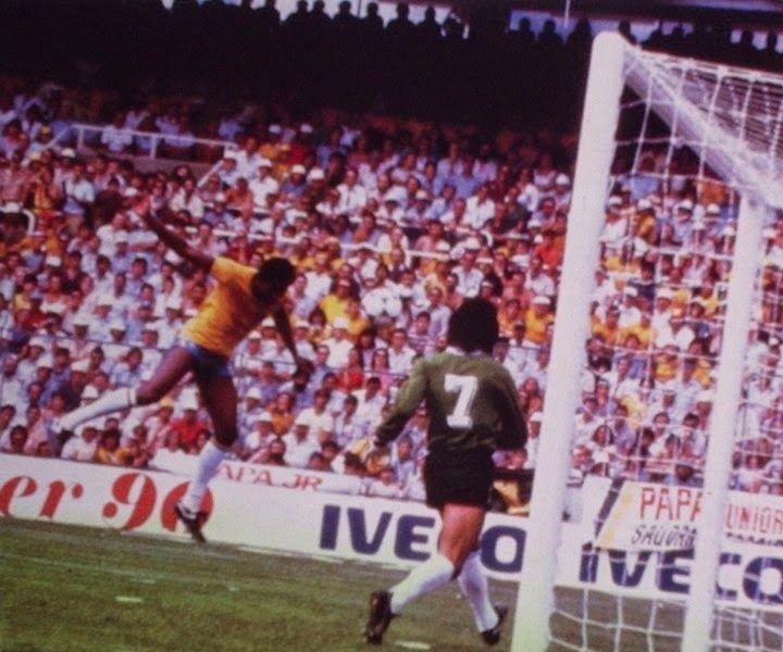 Argentina 1 Brasil 3 (Copa del Mundo España 1982,Estadio de Sarriá,Barcelona,02/07/1982)