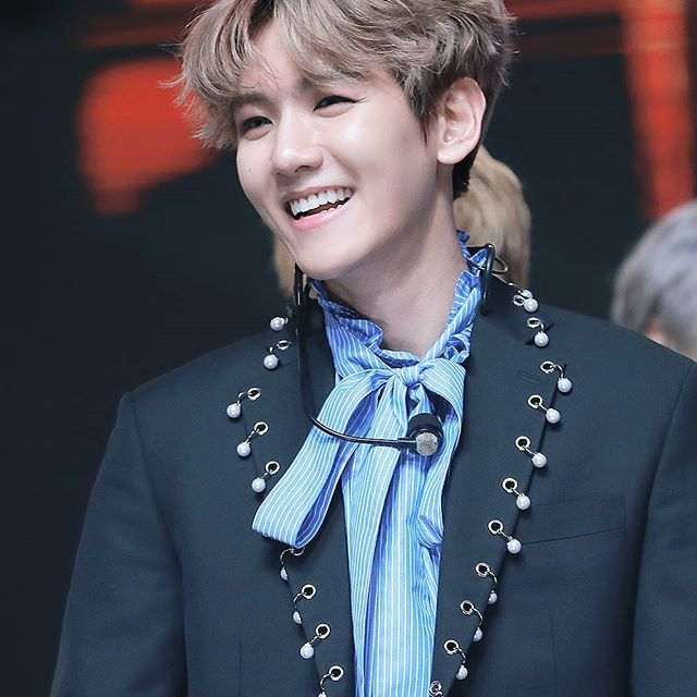 161231 - #BaekHyun @ 2016 MBC Gayo Daejun. (cr: see the light)__#백현 #변백현 #엑소 #cbx #exok #exol #baekhyun #byunbaekhyun