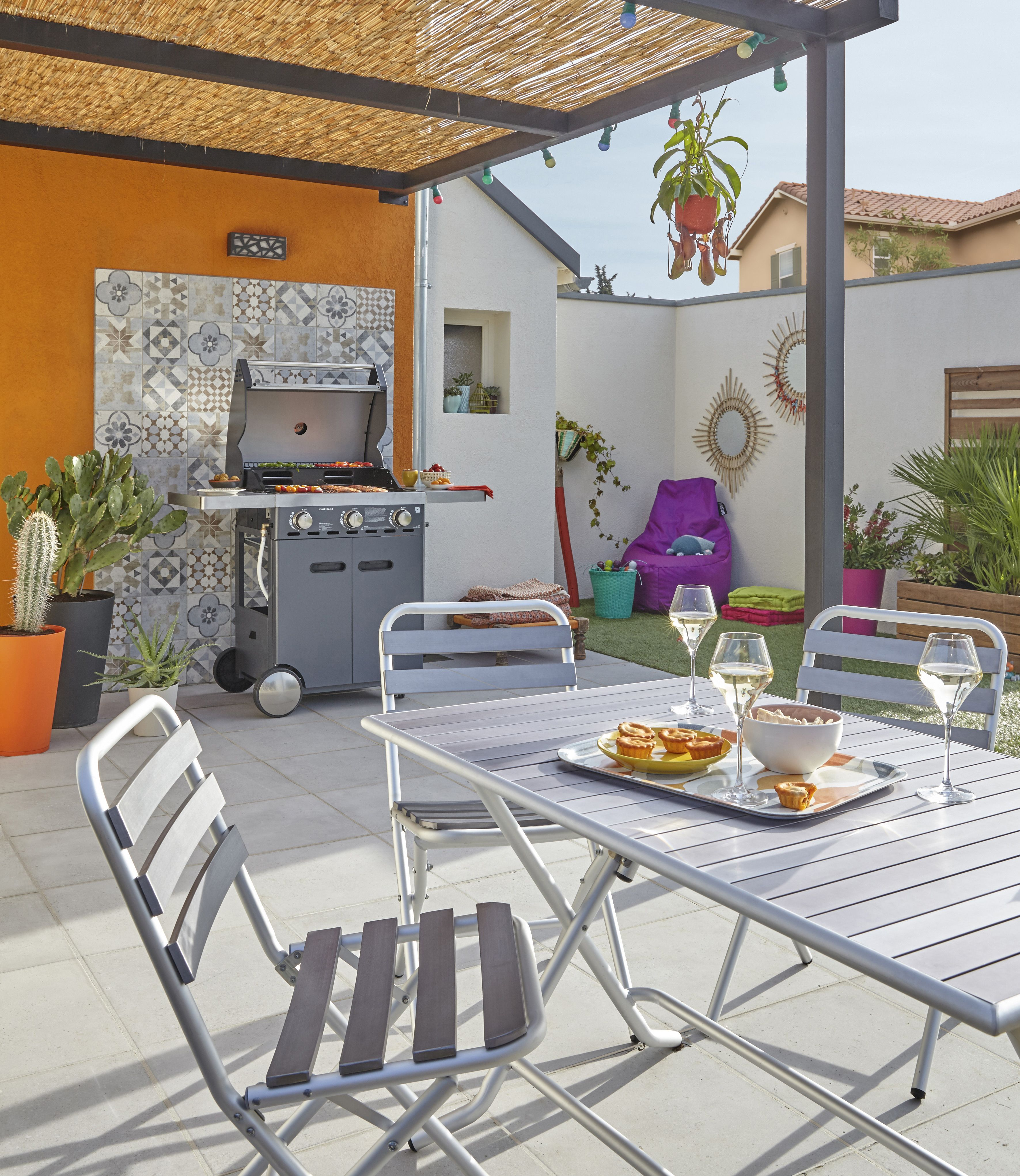 Terrasse d co et color e pour un ambiance vacance terrasse barbecue jardin outdoors and - Decoration jardin barbecue ...