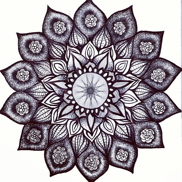 coloriage mandala tout en couleurs 52 mandala coloriage adulte via. Black Bedroom Furniture Sets. Home Design Ideas