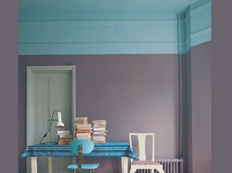 peindre-le-plafond-couleur-bleu-mur-gris-souris-porte-couleur-vert-d