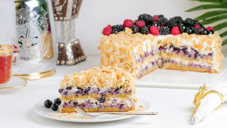 Our Newest Blueberry Cake جديدنا كيكة التوت Click For More Horatiilounge مبارك عليكم الشهر Ram Instagram Posts Food Breakfast