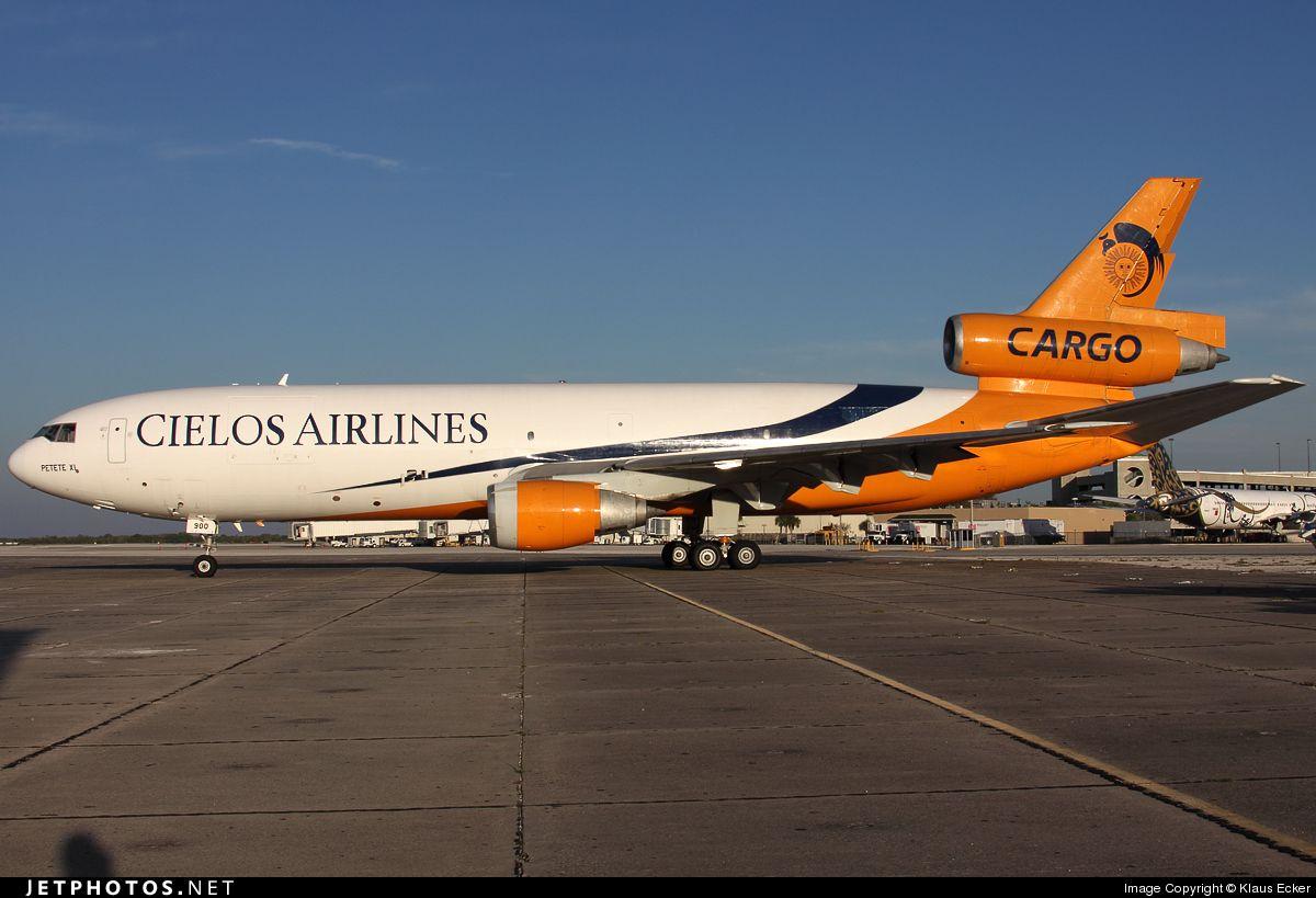 Photo of N900AR McDonnell Douglas DC1030(F) Cielos