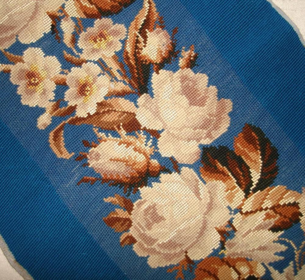 1.4m BEAUTIFUL 19th CENTURY VICTORIAN BERLIN WOOLWORK PANEL ROSES ... c28cc0baba1eb