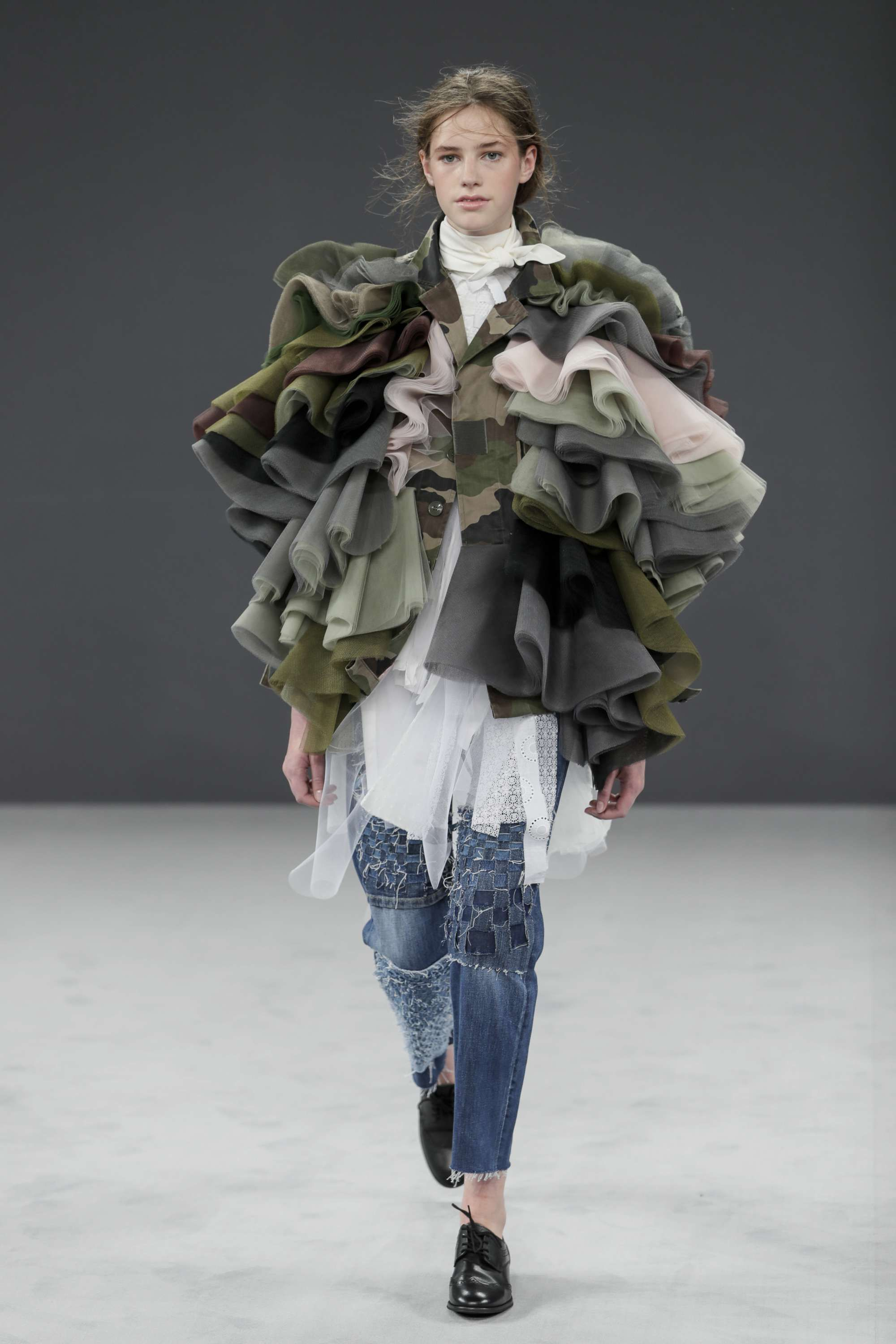 Special Report: VIKTOR&ROLF COUTURE AW16 – Syndicate Daily