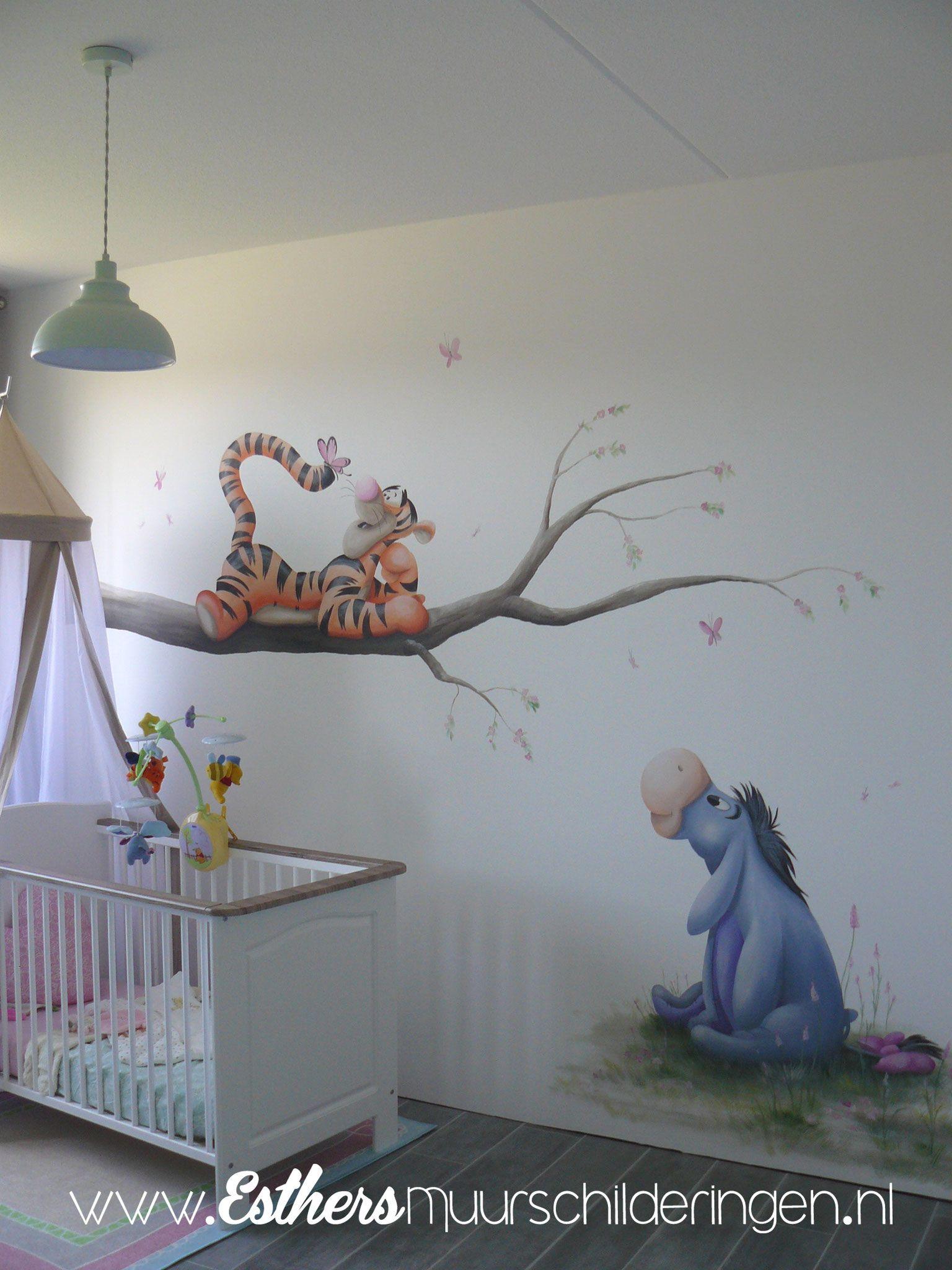 Muurstickers Babykamer Tijgertje.Muurschildering Eeyore En Tijgertje Op De Babaykamer