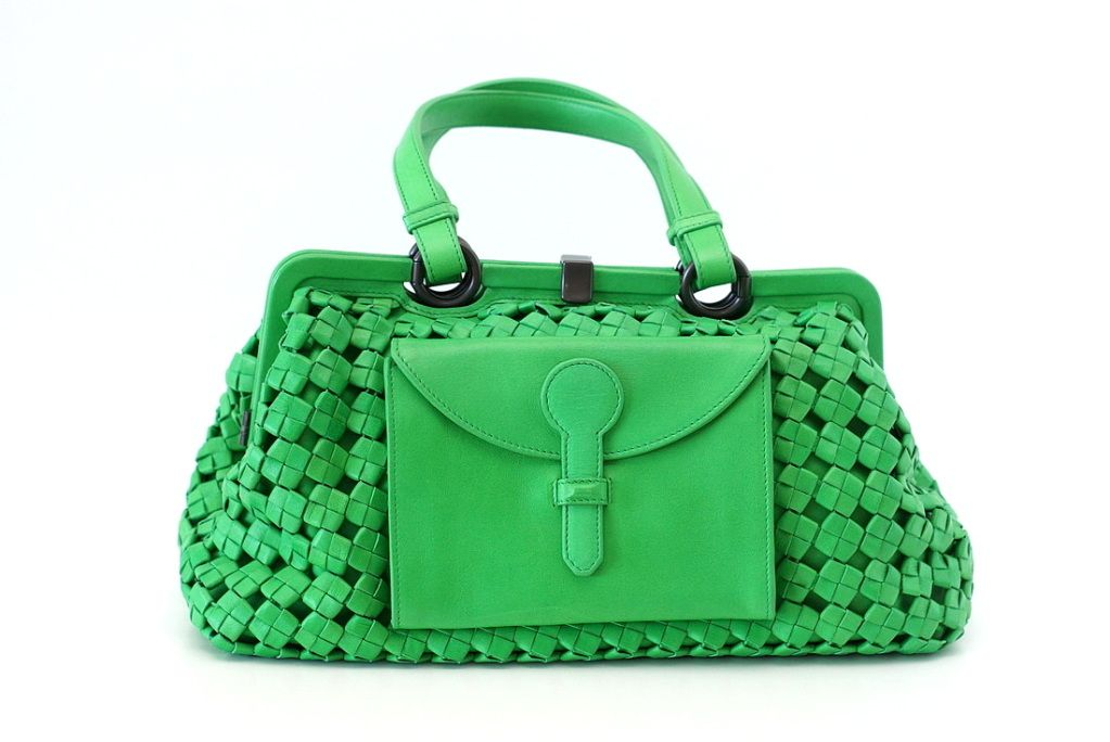 28a1eff1755 BOTTEGA VENETA Bag LIMITED EDITION colour POISON