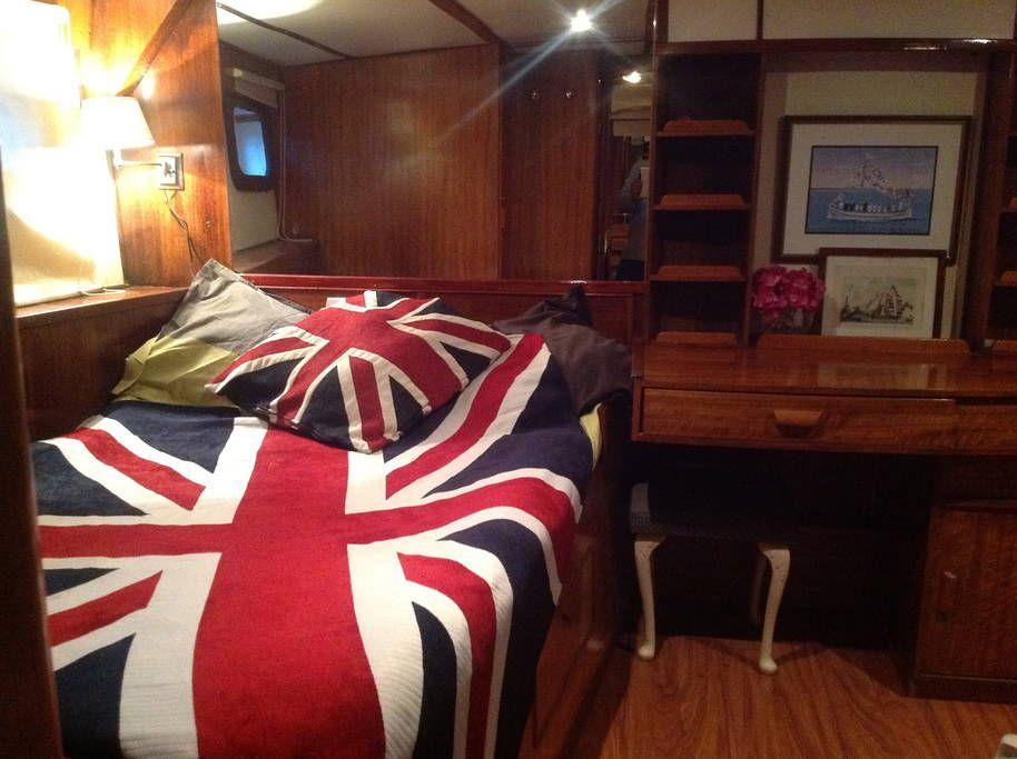 Sjekk ut dette utrolige stedet på Airbnb: yacht classique port de saint trope - Båter til leie i Saint-Tropez