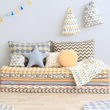 matelas de sol en coton zigzag blue st tropez nobodinoz. Black Bedroom Furniture Sets. Home Design Ideas