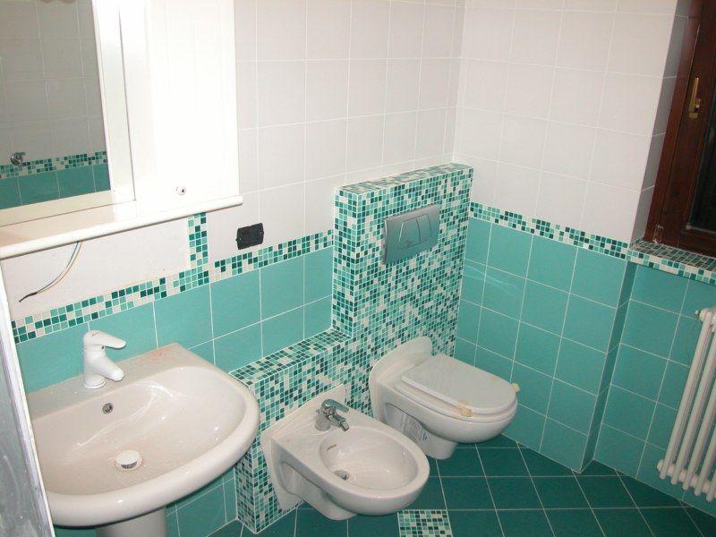 Tavolo legno verde acqua cerca con google bagno - Bagno verde acqua ...