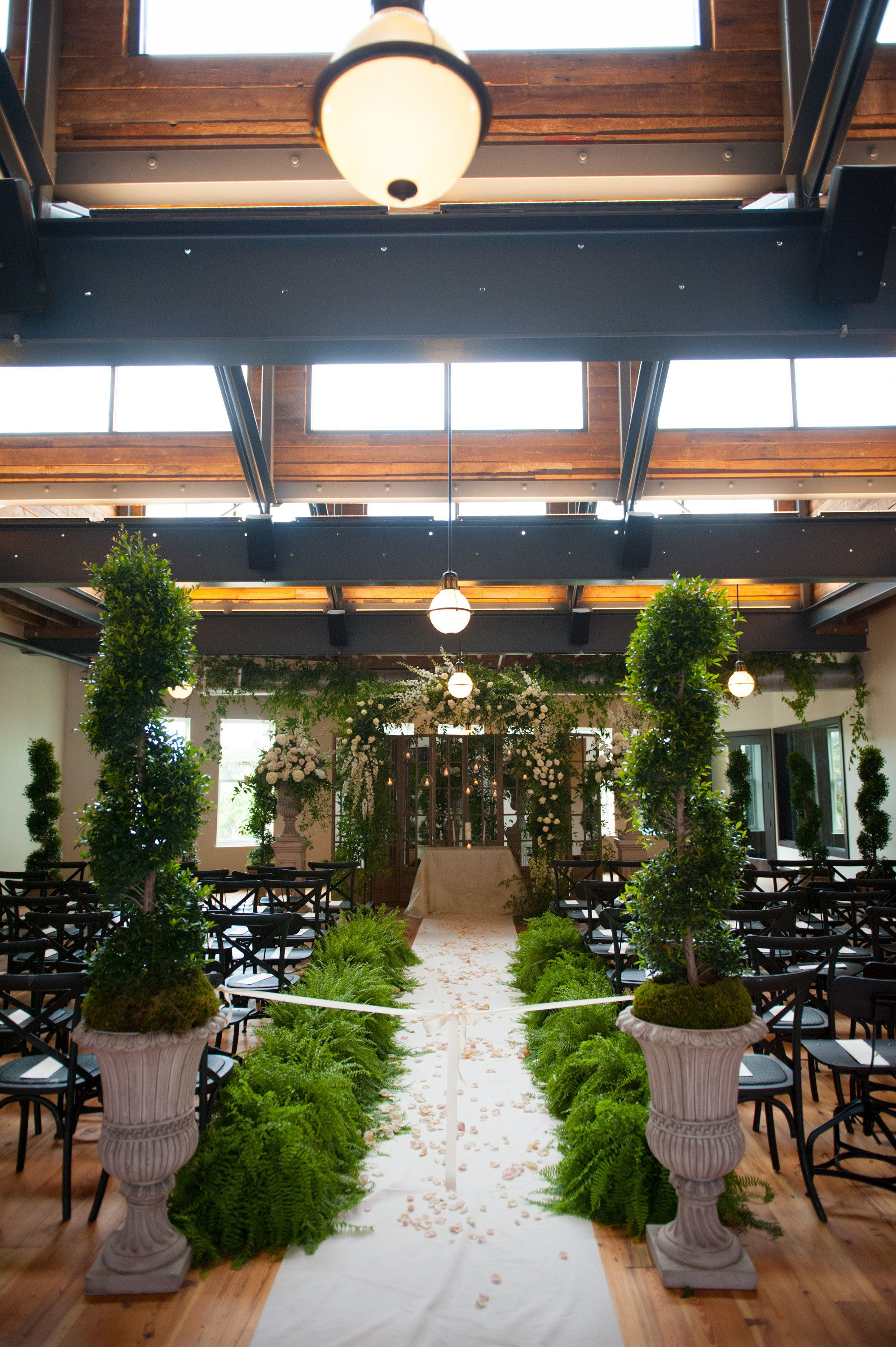 Oxford Exchange Tampa Wedding Garden Gold Pink Fusion Indianfusion Botanica Traciedominoevents Oxford Exchange Oxford Exchange Tampa Tampa Wedding Venue