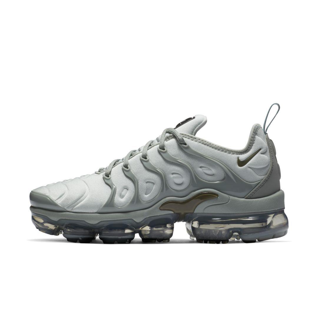 Nike Air VaporMax Plus Women's Shoe Size 5 (Light Silver