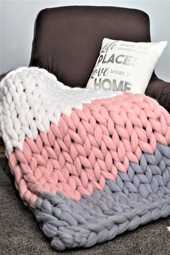 Chunky Knit Blanket DIY | white pink blue blanket on chair | Girlfriend is Better