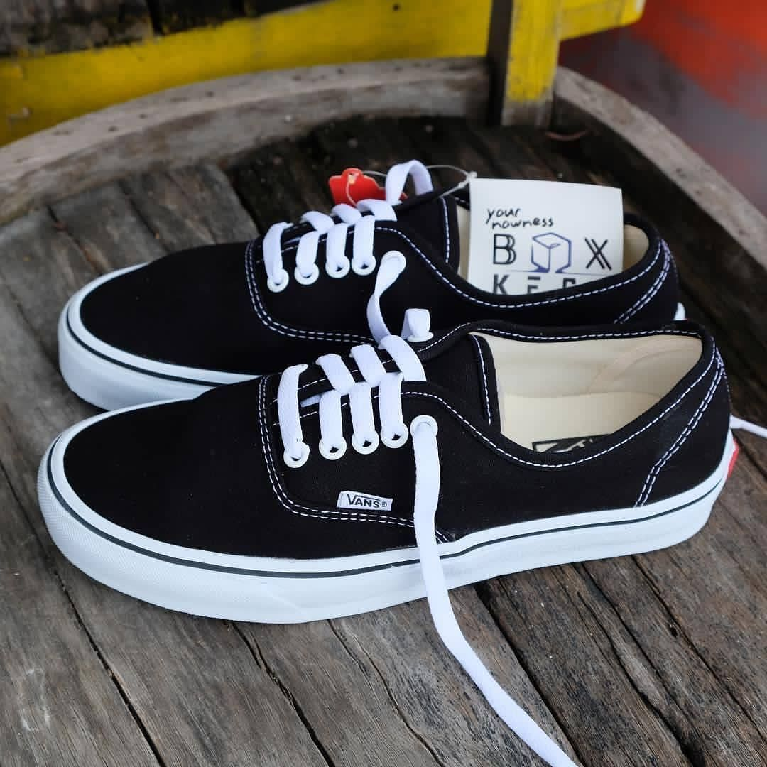 VANS CLASSIC* 7A Quality Size- 41 to 45